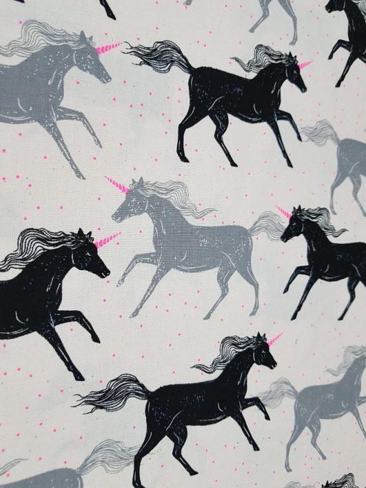 Tessuto unicorni