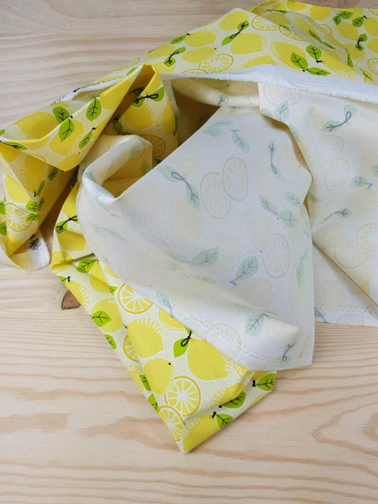 tela estampada con limones
