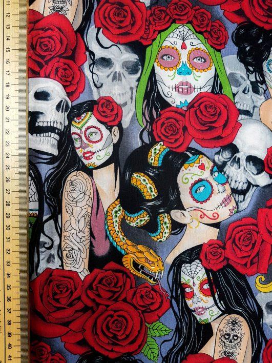"""Tela """"Nocturna"""" versión multicolor de Alexander Henry Fabrics"""
