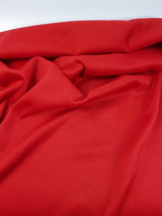 terciopelo rojo con rayas en relieve