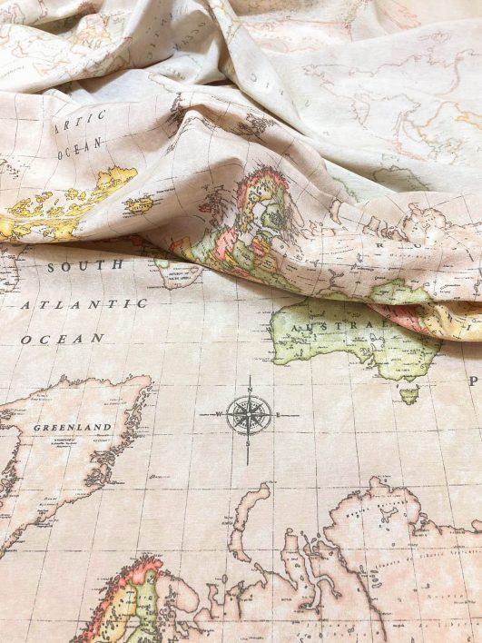 Tela mapamundi en loneta color crudo