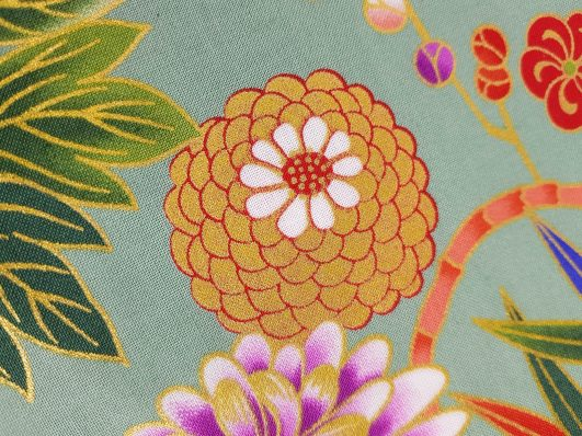 Tela japonesa de flores en verde claro diseño de Kokka