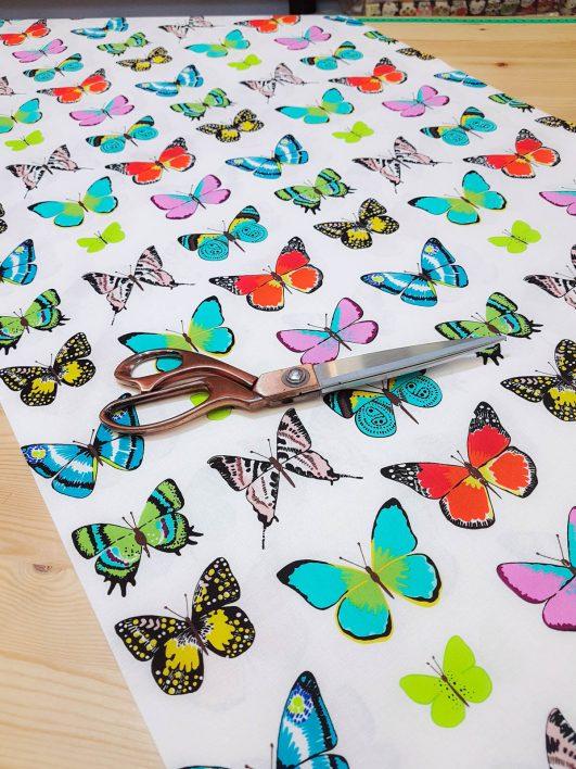 """Tela de mariposas """"tiempo de mariposas"""" en claro de Alexander Henry"""