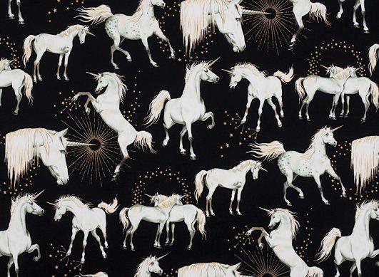 tela de unicornios en rosa infantil