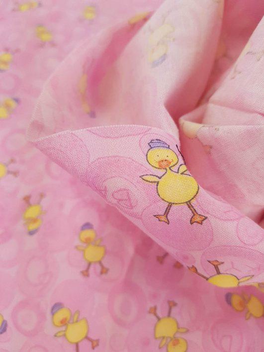 Estampado de patos infantil rosa