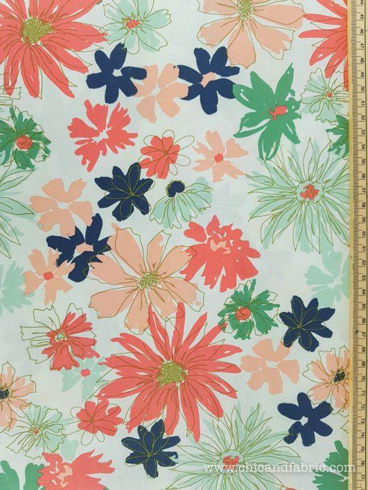 Popelín de grandes flores en pinceladas de Art Gallery Fabrics