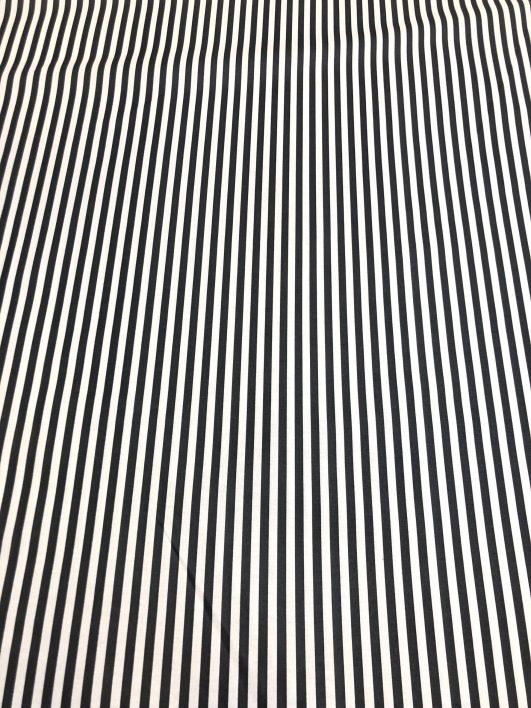 Tela de rayas blancas y negras en popelín de algodón fino