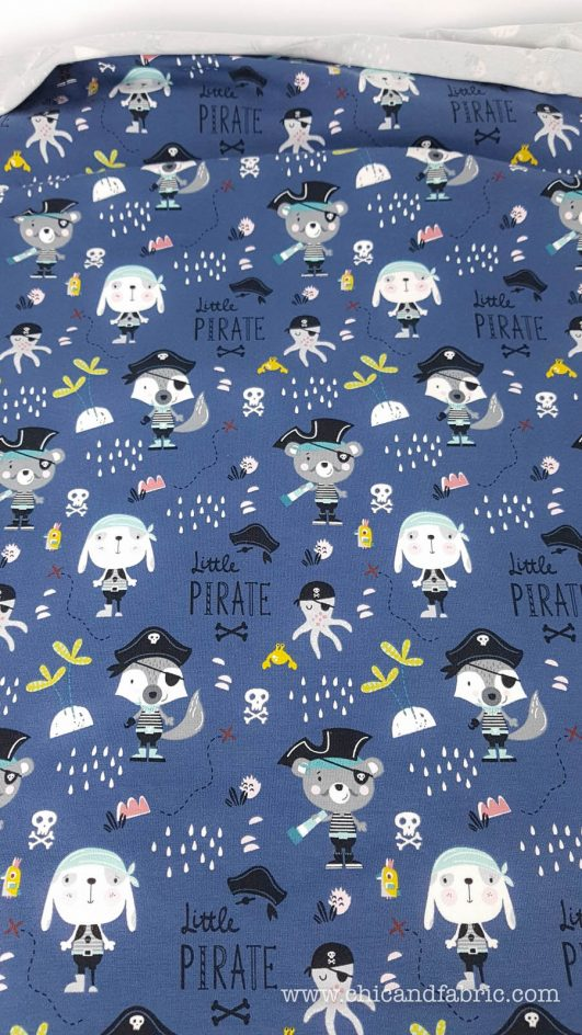 tela punto de camiseta estampada con piratas