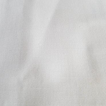 Tenda trasparente in lino e cotone bianco