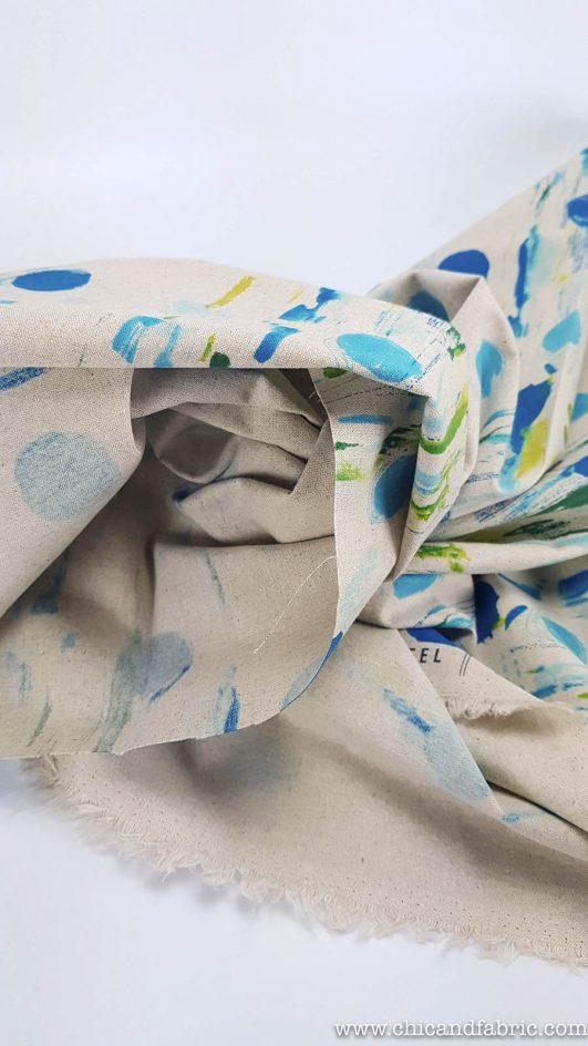Loneta estampada a pinceladas en verdes y azules sobre lino y algodón