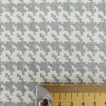 jacquard estampado de pata de gallo para tapicería. Color gris. Tejido resistente y antimanchas