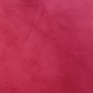 velours rouge pour le rembourrage et la décoration