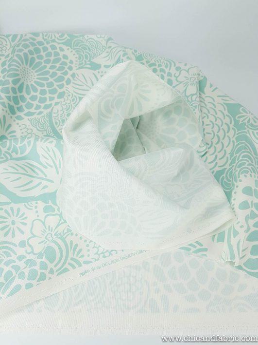 Loneta de estampado de flores monocromo en verde menta